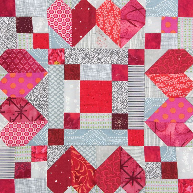 Quilting Designs For Blocks : 219 best images about Hearts & Valentine quilts on Pinterest Free pattern, Mini quilts and ...