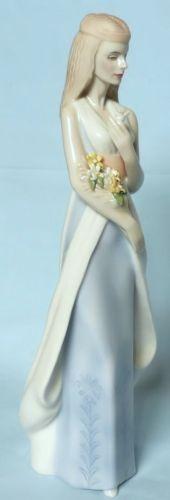 Royal Doulton леди фигурка сладкий букет hn3000 отражений серия in Керамика и стекло, Чайная и столовая посуда, Royal Doulton, Фигурки | eBay
