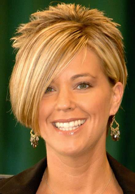 I love kate gosselin.. but the old Kate Gosselin with short hair.. I hate now she looks too much like an older woman trying to be a barbie but she used to be so attractive