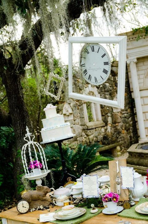 80 Whimsy Alice In Wonderland Wedding Ideas | HappyWedd.com