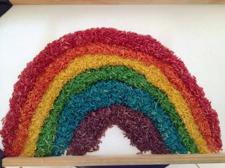 8 MESES - Arco-íris de arroz colorido
