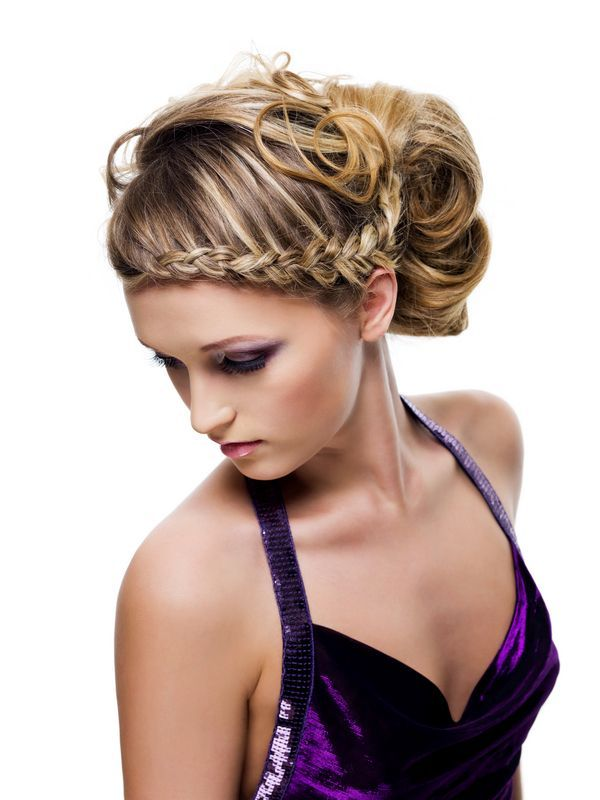 French bun - Hairstyles | Hair Photo -