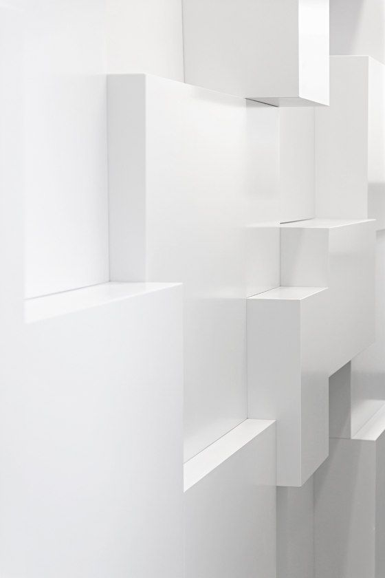 :: DETAILS :: the use of intersecting blocks create an interesting wall texture - heart this image, reminds me of one of my favourite lines from MDF Italia: Furniture Inspiration, Display Inspiration, Antique Furniture, Beautiful White, Textured Walls, White Wall Texture, Design