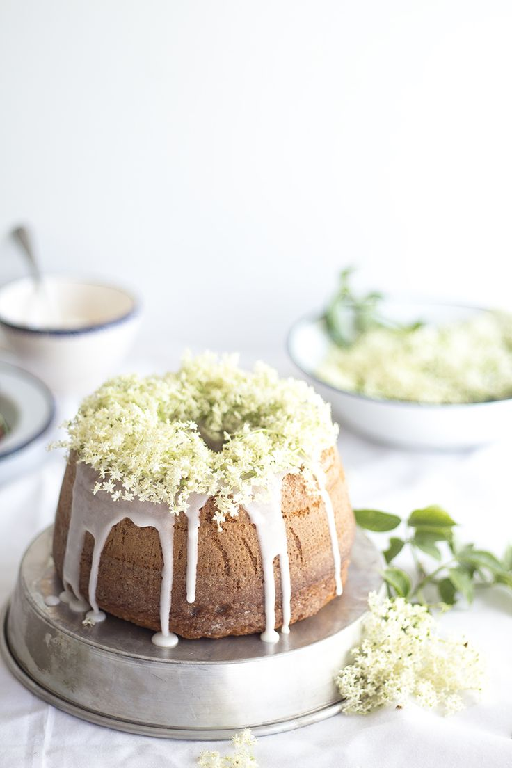 ... bundt cake with elderflower ...