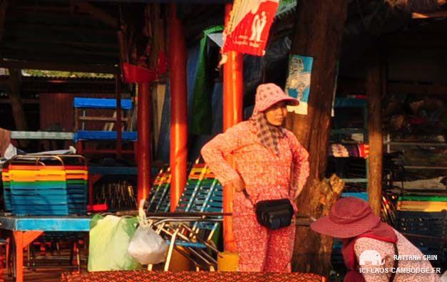 Au #Cambodge, les femmes se promènent en pyjama dans la rue ! #blog  #expériencesvoyages #insolite #funny #funnytrip #travel