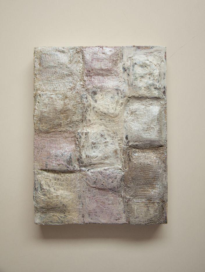 Fragmento de feuille   2012. 40 x 30 cms.  Bolsas de té y gasas con pigmentos encáusticos