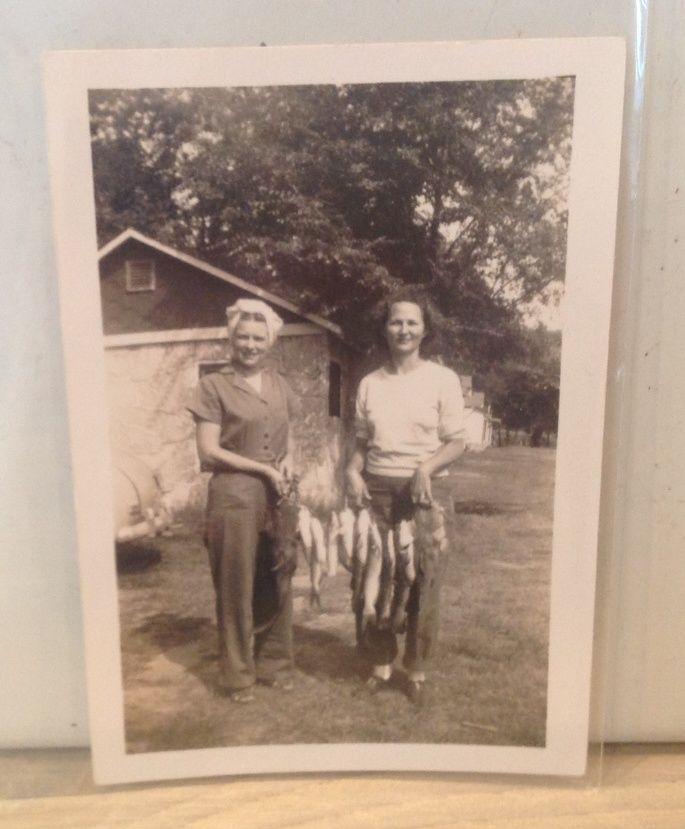 women fishing outfits 1940