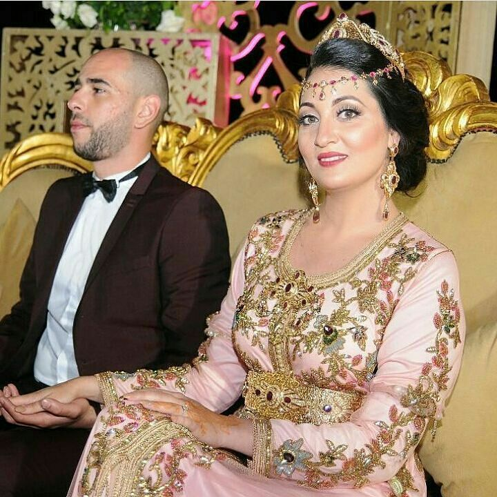 #عروس_مغربية . @Regrann from @fashion.in.morocco - ❣ . . . . . . . . when a dress gives you royalty . . . #مضمة_مغربية ● ● ● ● ● #التكشيطة_المغربية #تكشيطة#مغربيات #التكشيطة #الحلي_المغربية #المغربيات_ملكات_على_عرش_الانوثة_و_الجمال . . #takshita #takchita #moroccanwork #moroccanstyle#moroccantouch #fashioncréation #elegant #luxury #traditional #handmade #takcheta #caftaninspiration #caftanmarocain