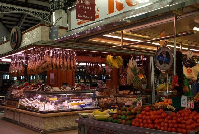 Takie hiszpańskie specjały można znaleźć w Mercado Central w Walencji
