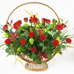 Kosz kwiatów Róże i Gloksynia