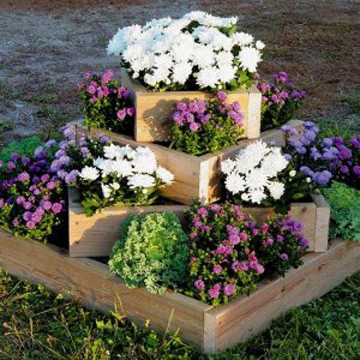 Kreativita v záhrade má nekonečne veľa možností. Kvety a rastliny v záhrade môžete skombinovať s rôznymi predmetmi, ktoré by ste za iných okolností už dávno vyhodili.