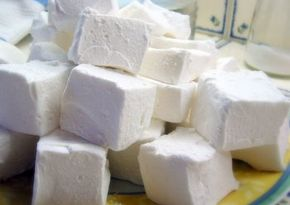 River Cottage - Home made Marshmallows Just made a batch - sooooooo much better than the ones you can buy in a packet. Well worth the effort!