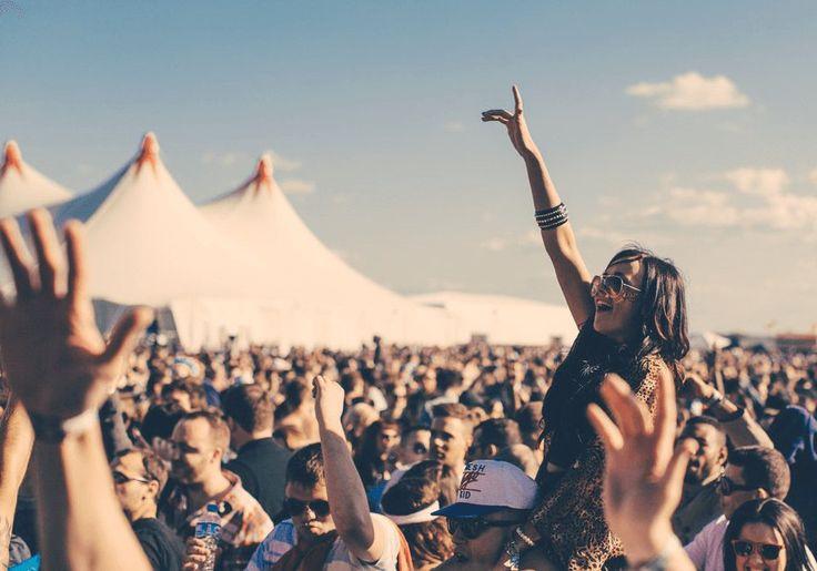Letnie festiwale muzyczne według internautów – podsumowanie 2017 roku -  Festiwale muzyczne cieszą się wPolsce coraz większą popularnością, oczym może świadczyć nieustannie rosnąca liczba nowych imprez icoraz lepsze line up'y. Tosposób naweekendowy wypad, adla młodzieży niemalże obowiązkowy punkt wakacyjnych wyjazdów.Festiwale są też widocznym elementem... https://ceo.com.pl/letnie-festiwale-muzyczne-wedlug-internautow-podsumowanie-20