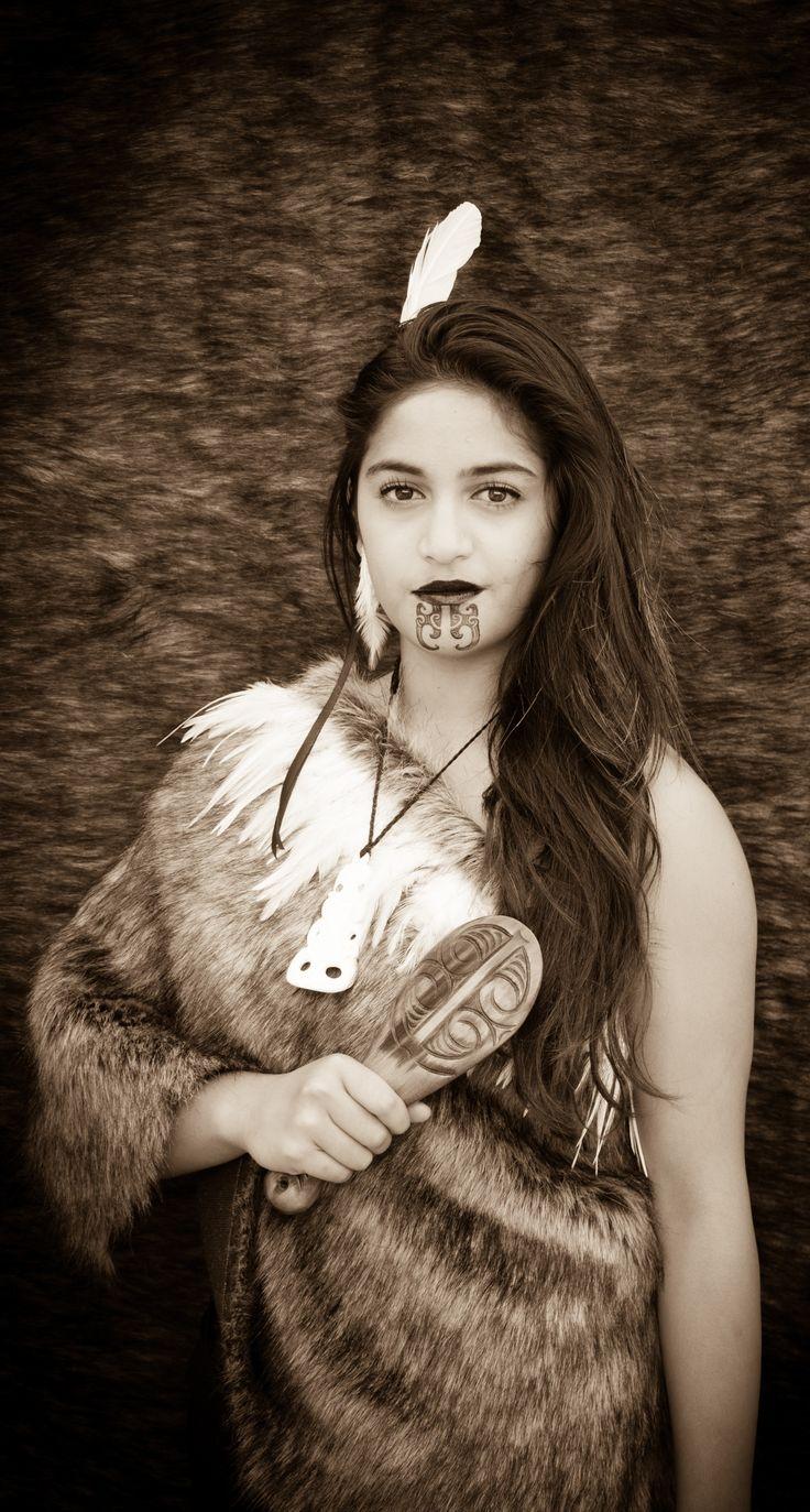 Traditional Maori clothing - Aotearoa
