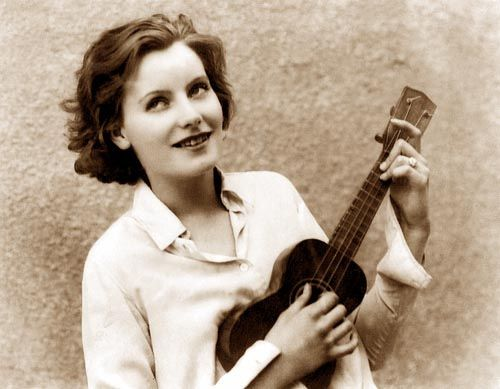 46 Best Girls With Ukes Images On Pinterest Ukulele