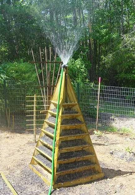 piramid shaped vertical garden design