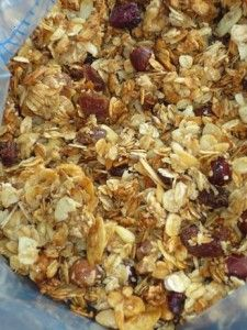 Home made roasted granola with dry fruit and nuts - FoodFamily.net