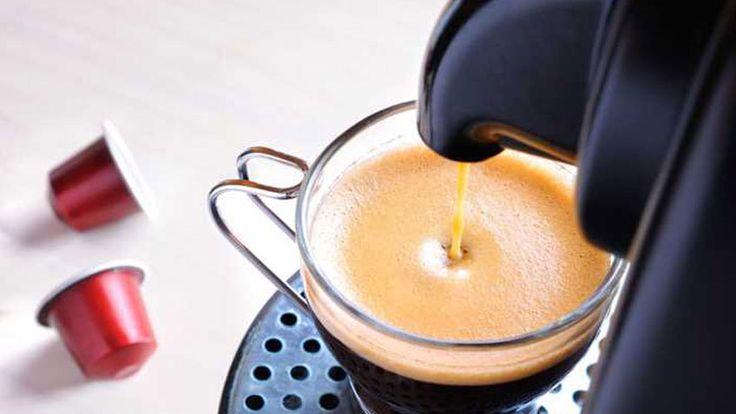 Per milioni di noi, sancisce ufficialmente l'inizio di un nuovo giorno, una pausa, un fine pasto o un momento di relax. Il caffè espresso è da sempre un vero e proprio must. Ma qual'è la migliore macchina del caffè da casa e come si sceglie? Quali requisiti deve avere e ...