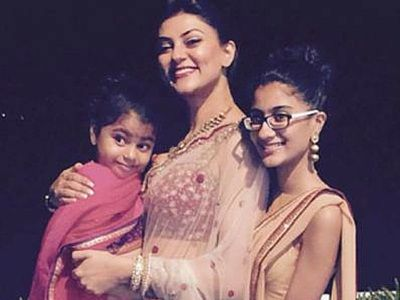 sushmita sen with daughters- Parenting resources by ZenParent