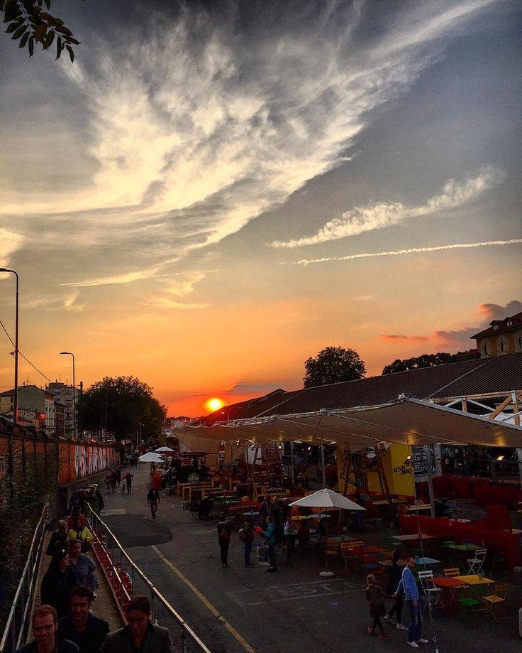 tramonto milanese    #Milano #tramonto #Milanese #navigli  #mercatoMetropolitano #ig_milan #ig_milano #volgoItalia #volgoMilano #arte #volgolombardia  #paesaggio #panorama #città #riflesso #contrasti #luce #milanodavedere #milanodaclick #milanocity #milanleungranmilan  #milanosiamonoi #milanesi #colori #milanarchitecture #milanodavedere #fotografia #muro #sole #infuocato #vivomilano #città by francescarollo