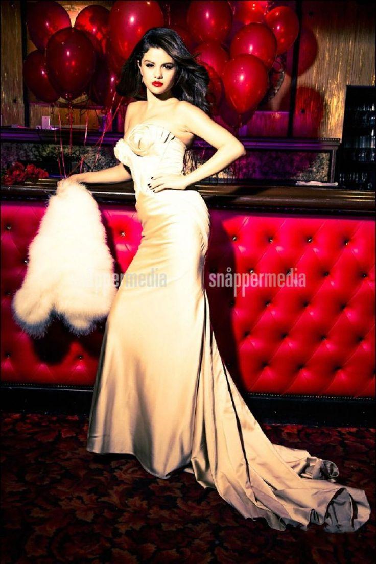 Selena gomez flaunt sorry, that