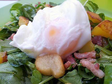 La meilleure recette de Oeuf poché inratable (cuisson au micro ondes)! L'essayer, c'est l'adopter! 4.8/5 (10 votes), 21 Commentaires. Ingrédients: 1 œuf par personne 4 cuillères à soupe d'eau 1 pincée de gros sel