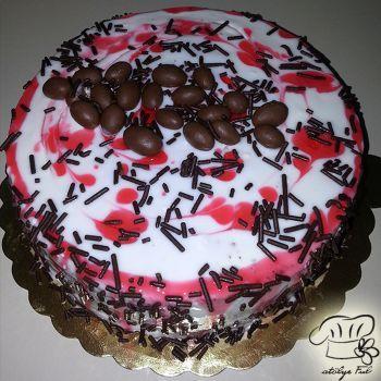 Ebruli Desenli Doğum Günü Pastası