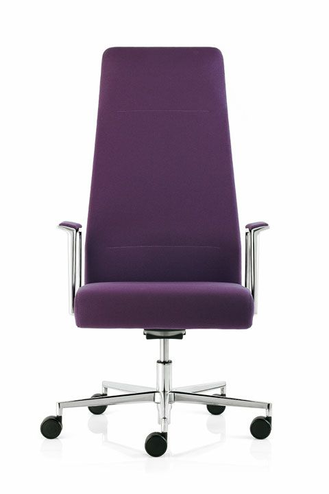 #emmegi #emmegiseating #VISTA #office #quality #elegant #technological #versatile Quality can be found in details.The VISTA office chair is as finely crafted and elegant as a collector's object.  Light and slimline with its fabric upholstery, comfortable and stable with its back-supporting structure, modern and technological with its Sincron system and fixed or adjustable armrests: VISTA is all this.