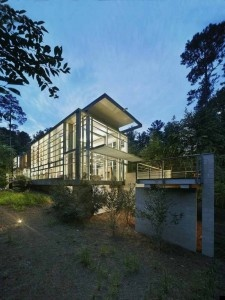 Deluxe Home Design Featuring Natural Exposure Through Glass Walls – Paletz Moi