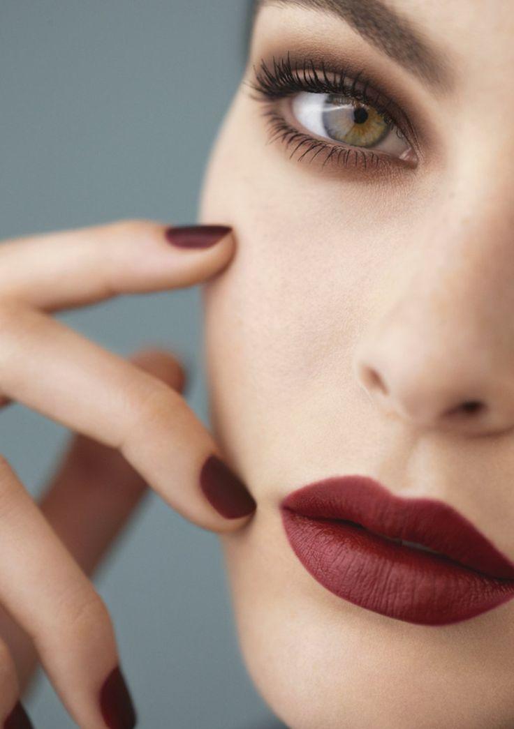 Es gibt zwei neue rote Nagellacke von Chanel – Beauty