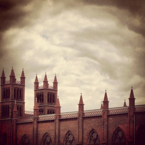 Gothic clouds #berlinstories #blastfromthepast #preinstaera   Photoshooting Berlin © elafini