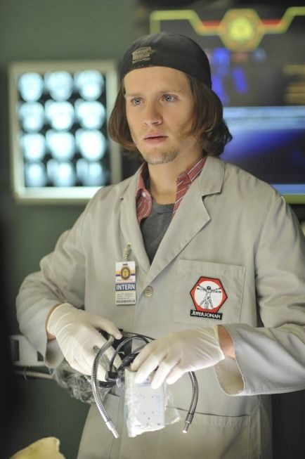 Luke Kleintank (aka the new squintern Finn Abernathy on Bones).  He's so hot, and charming (on the show at least) and he's got that hot southern accent.  Yummy!  I can't wait to see more of him on the show.