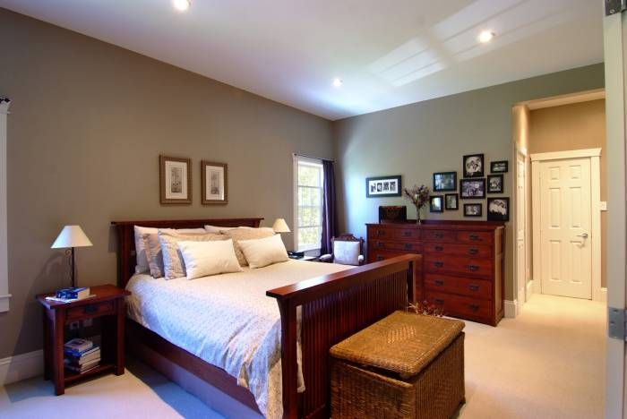 Homes for sale in Carp - Master Bedroom - A main floor master suite generous in proportions.  Features a high ceiling, Berber carpets, two walk-in closets and 4 pc ensuite.  MLS#887857