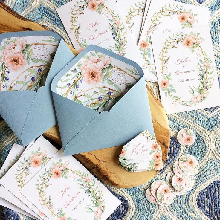 """378 Likes, 4 Comments - СВАДЕБНАЯ ПОЛИГРАФИЯ (@nastya.ptichka) on Instagram: """"Нежные цветы в сочетании с голубоватой дымкой  ПОРЯДОК РАБОТЫ: - выбор готового дизайна из…"""""""