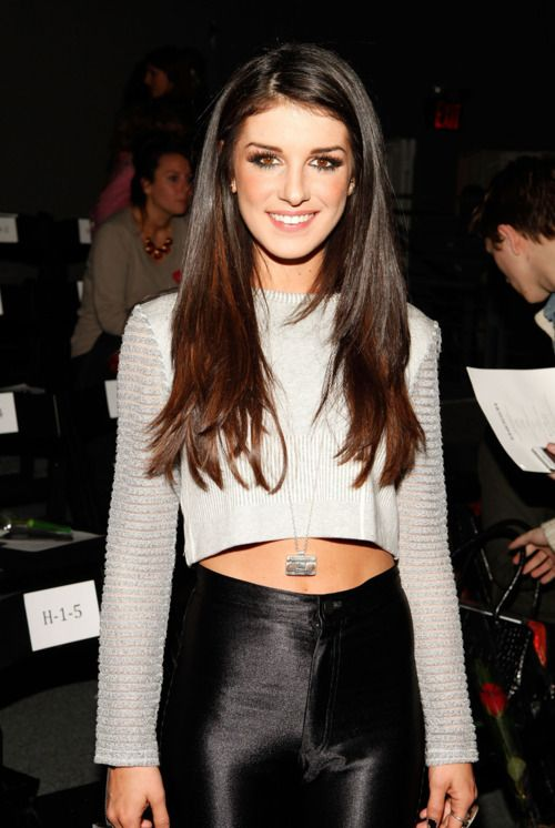 Shenae Grimes. Love her hair, her style, EVERYTHING about her