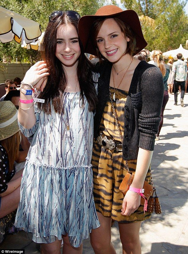 I didn't know Lily Collins and Emma Watson knew each other- fabulous!