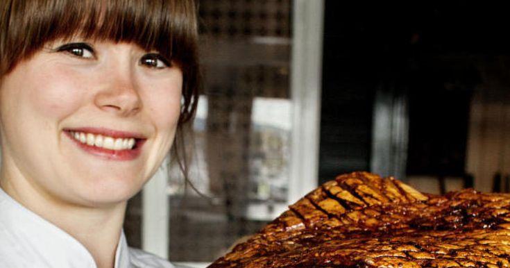 Kjøkkensjefens beste oppskrifter: Øldampet pinnekjøtt og saftig ribbe med sprø svor.