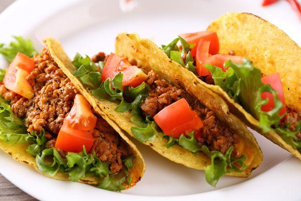 Deze hoeveelheid zelfgemaakte taco kruiden is voldoende voor 500 gram gehakt. Heb je een voedseldroger of oven dan kun je zelf je knoflookpoeder en gedroogde uien maken.