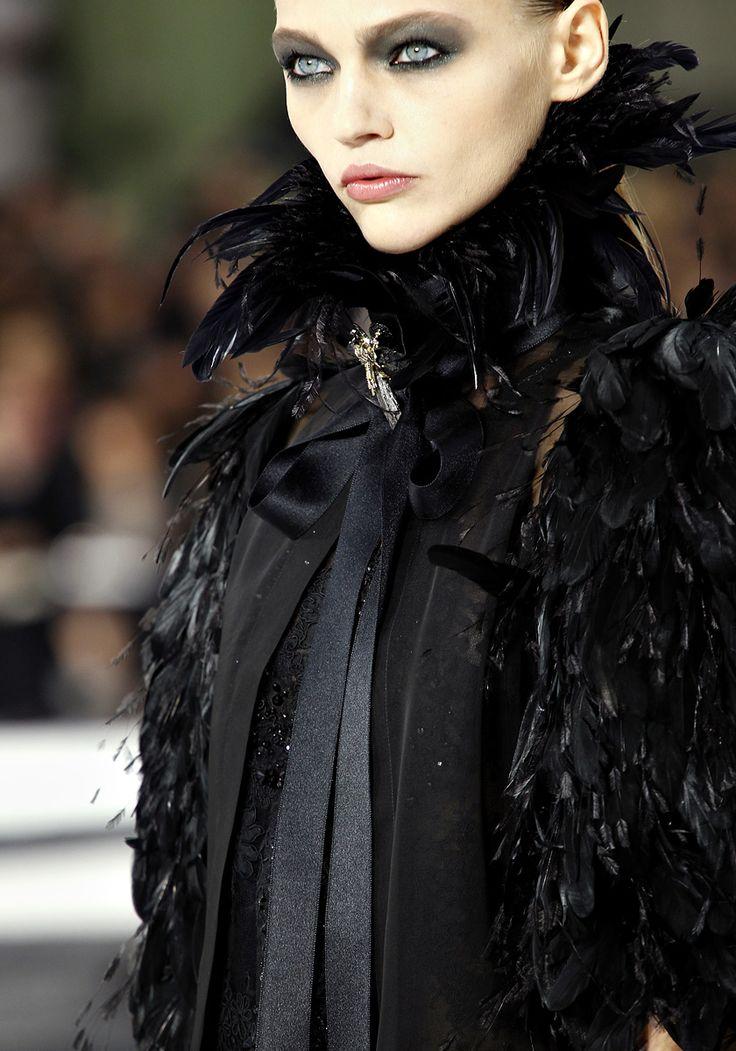sasha pivovarova chanel s/s 2011 paris fashionshow