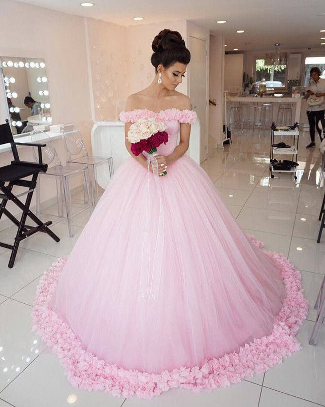 1000  ideas about Pink Ball Gowns on Pinterest | Beautiful prom ...