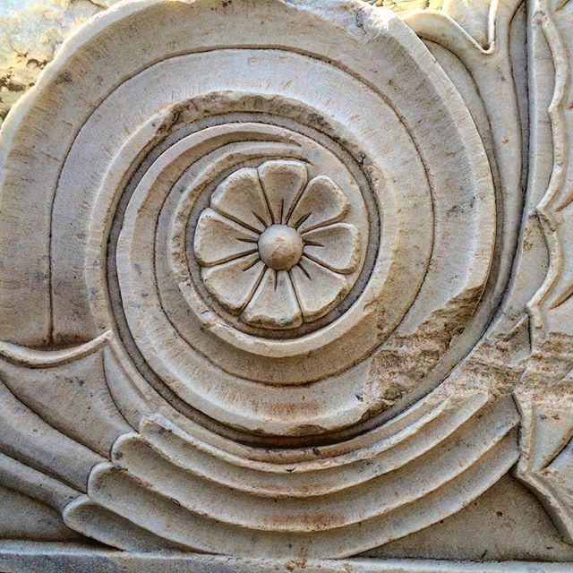 #flower #antique #marble #corbel #handcarved #marblesculpture #art #interior #greekmarble #greece #balcony #athens #classicalarchitecture