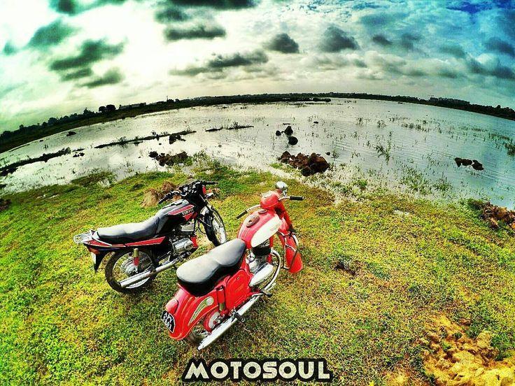 1961 Jawa 250cc along with Yamaha RXZ  More photos on - http://ift.tt/1MOOLiU (Link in Profile) | #jawa | #jawamotorcycles.com | #idealjawa| #2stroke | #chrome | #Cz | #biker | #motorcycles | #imtheindianbiker | #yezdi | #yjoci | #retro | #czech | #vintage | #vintagestyle |#india | #motorbike | #caferacer | #bikeporn | #instamotogallery | #dirt | #bike | #picoftheday | #gopro | #motocross | #motorcycleyard |