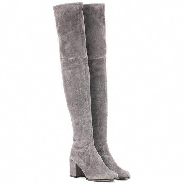 Die Tieland Stiefel von Stuart Weitzman (1.960 BAM) sind