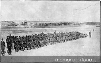 Ejercicios del Batallón Cívico de Artillería Naval en Antofagasta. Año: 1879-1881.