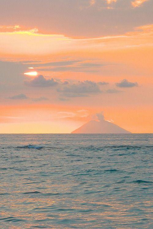 Eolian Islands http://www.travelandtransitions.com/our-travel-blog/sicily-2007/ #eolie #sicilia #sicily #sicile