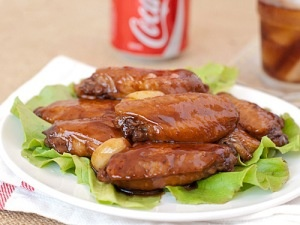 Coca Cola Chicken Wings:      * 3/4 cups of Coca Cola (or any similar soft drink)      * 1/4 cups of soy sauce      * 2 tablespoons of brown sugar      * 1 tablespoon of mustard      * 10 chicken wings (20 pieces)