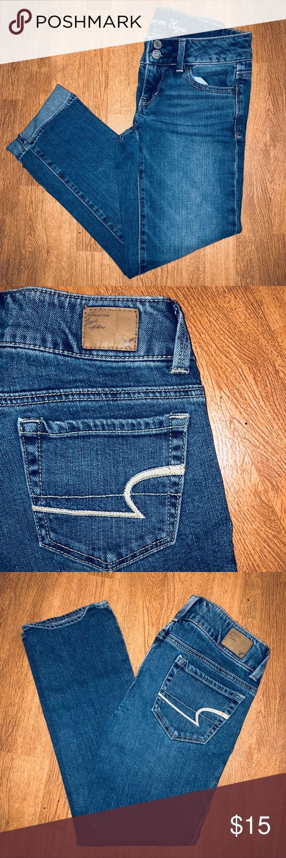 00R American Eagle Outfitters Artist Crop Jeans CONDITION: Excellent Used   BRAND: American Eagle Outfitters AEO AE  SIZE: 00 REGULAR   DETAILS: Women's/Ladies, 00 REGULAR CROP Artist stretch Denim jeans. Medium wash . 98% cotton 2% Spandex .   FLAWS:  * Fading from washing    #Jeans #AthensOH #forsale  #Fashion #Style #TopShopStyles   @CksClosetOverload  Item No. 3 American Eagle Outfitters Jeans Ankle & Cropped