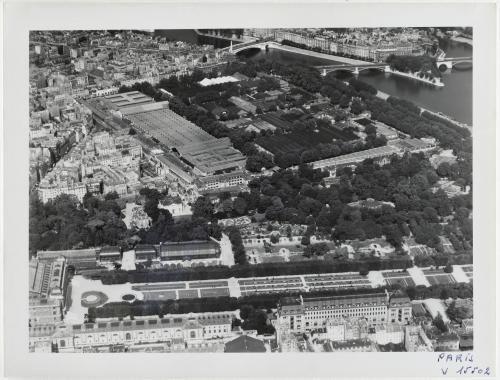 Vue aérienne de Paris : le Jardin des Plantes et la halle aux Vins, 5ème arrondissement, Paris. | Paris Musées