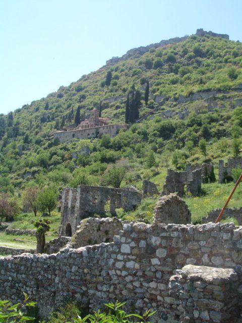 A picturesque photo of Mystras! #greece #byzantium #religiousmonuments #peloponnese #archaeology