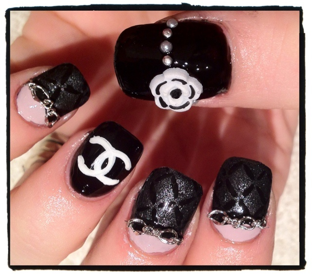 Mer enn 25 bra ideer om chanel nails design p pinterest chanel like the idea but this nail design is crap pir said prinsesfo Image collections